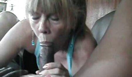 Fille plage nudiste porn conduisant nue et baise après.