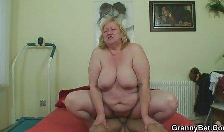 Bigbooty adolescent bordé par video x nudiste un retraité
