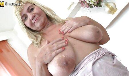 Fistertwister - La plantureuse Angel Wicky se fait défoncer le poing nudiste tube