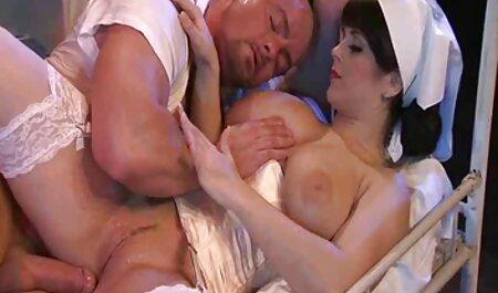 La salope de porno camping nudiste Phoebe.