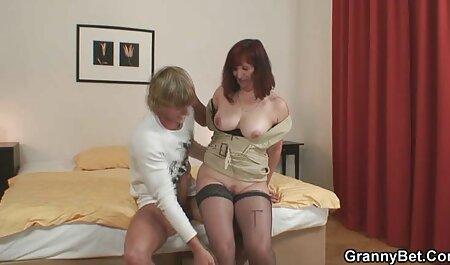 Stella Cox et Lara Onyx partagent une bite monstre analement nudiste mature