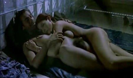 Horny aux cheveux courts naturistes baisent mature en lingerie sexy.wmv
