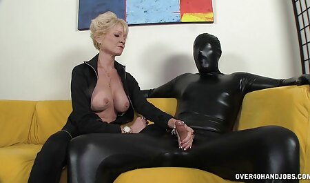 SB2 porno nudiste plage Sister est très obligeant!