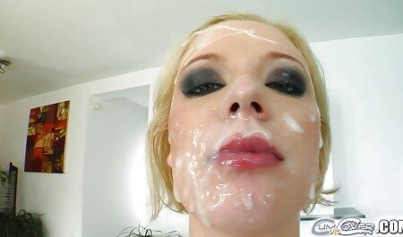 Cami Cole prend une éjaculation faciale dans un baise de nudistes style POV