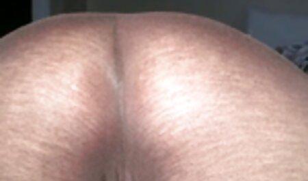 Plantureuse MILF Daria Glower Finger Chatte porno camping nudiste