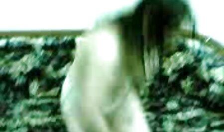 ExxxtraSmall - Petite fille video nudiste sexe chaude baisée dans la cuisine