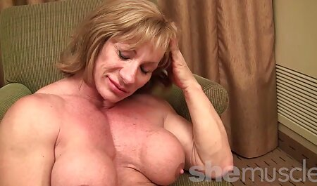 Mofos - Pervs en patrouille - Mia Ryder video x plage nudiste et Ashley Adams - Coupl