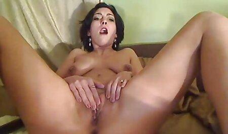 L'agent de casting nudiste tube suce et chevauche la bite des clients