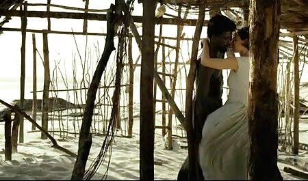 Bombasse cambodgienne aux video mature nudiste énormes seins naturels se fait baiser