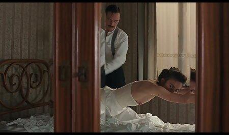 Big Clit Housewife film x nudiste Trentenaire! Orgie de putes italiennes au club