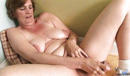 Brunette video naturiste echangiste fille masturbation