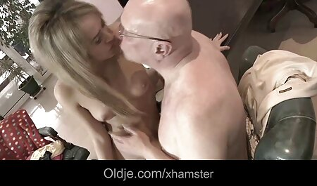 Face-sitting cum nudiste plage sex traite.m4v