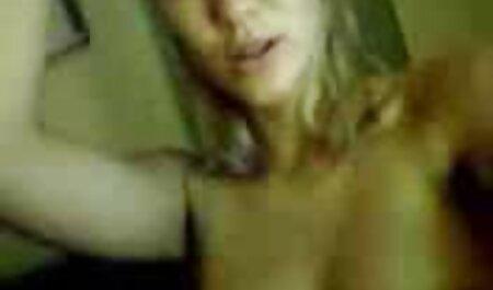 Dominicana danse dans un string porno camp de nudiste