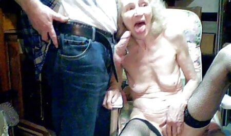 Blonde sexe plage nudiste Babe Trio SexToy Salesman Obtient Fellations Et Anal