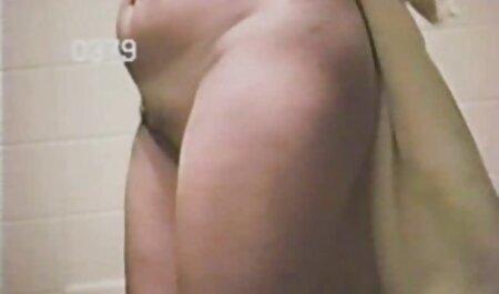 Pickedup euro nudistes pornos babe suce une bite sur spycam