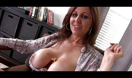 Ariel Temple donne volontiers naturistes porno un footjob