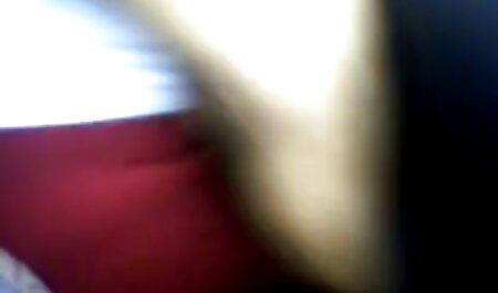 Fille tatouée suce et baise video nudiste voyeur