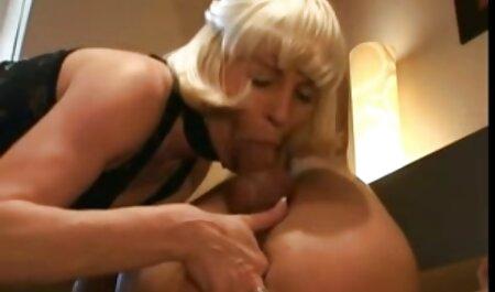 Chubby video sexe plage nudiste Teen aime jouer avec sa chatte poilue