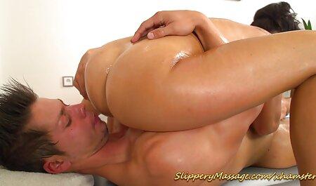 Jolie fille allemande video sexe plage nudiste sexy jouant