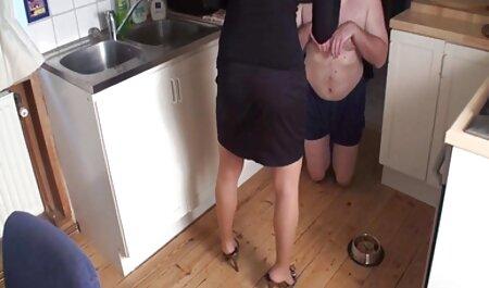 Gros ventre pulpeux porn plage naturiste se fait baiser par derrière