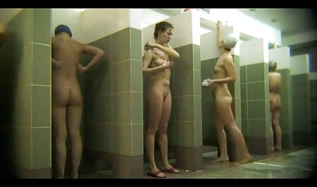 Sex Crazed Euro Babe Puma Swede martèle sa chatte dans un dîner video x plage nudiste