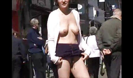 Chubby MILF nudiste video gratuit Jenna solo dans la salle de bain