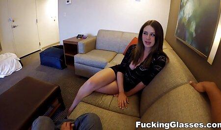 La sorcière Jelena Jensen et la femme video amateur plage nudiste déçue Angela White